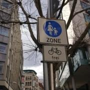 pedestrian zone plus bikes